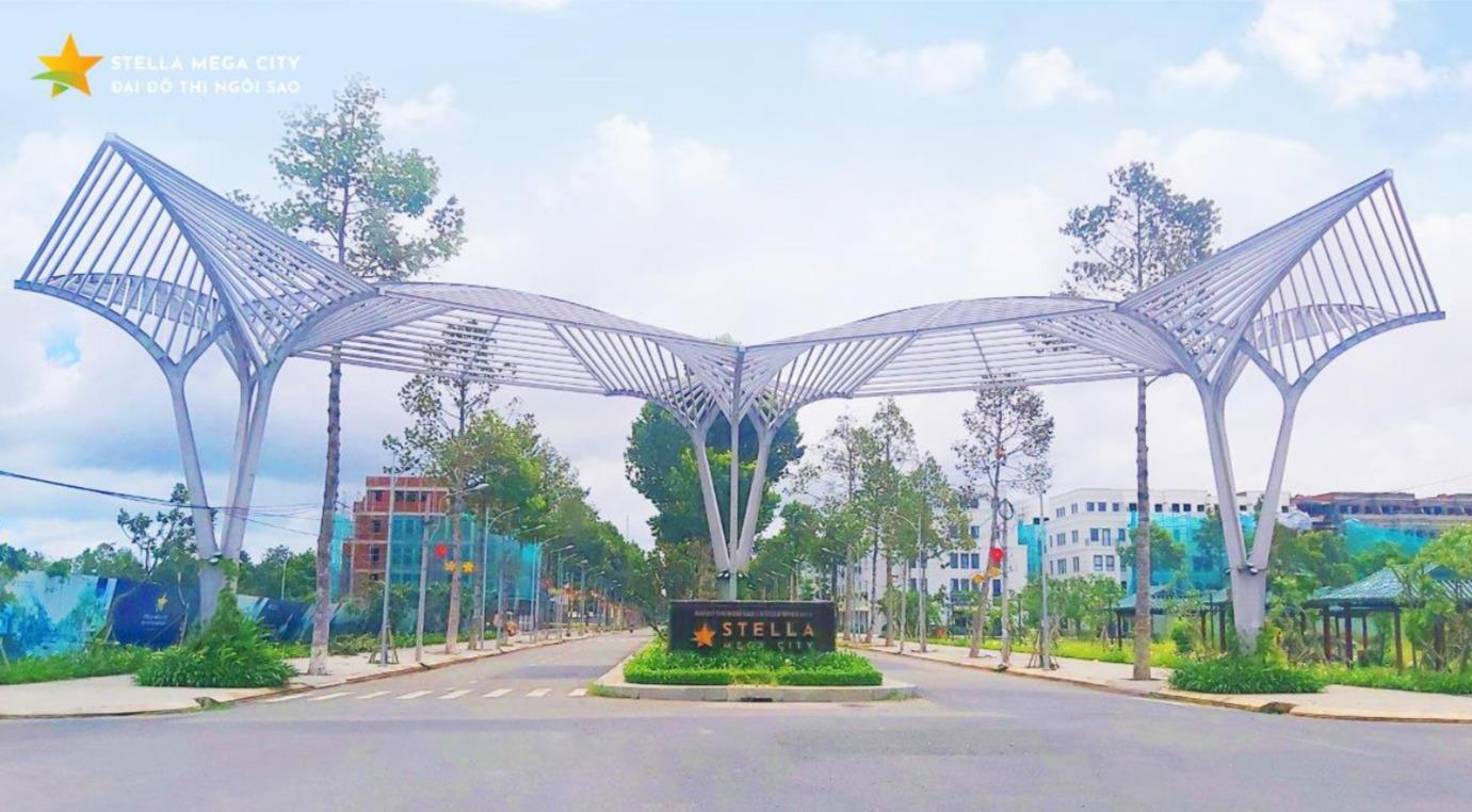 Cổng vào dự án Stella Mega City, trục đường Đặng Văn Dày lộ giới 36m